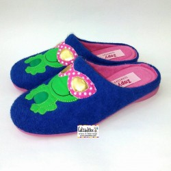 Zapatillas de estar en casa en rizo de color azulón, de Zapy Lonettes