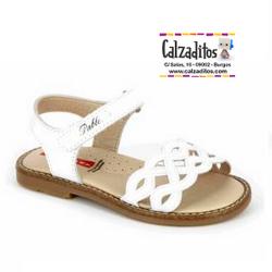 Sandalias de piel para niña modelo Olimpo Blanco con trenzado, de Pablosky