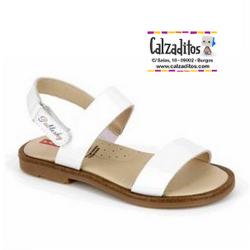Sandalias de piel blanca lisa con velcro, de Pablosky
