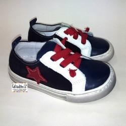 Zapatos para niño de estilo casual en piel, de Nens