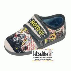 Zapatillas para estar en casa en gris marengo de moto GP con velcro, de Zapy