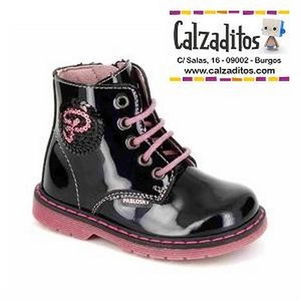 64f031a3375 Botas para niña de charol azul marino combinado con rosa, de Pablosky -  Calzaditos