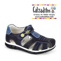 Sandalias de piel para niño en azul marino, de Pablosky