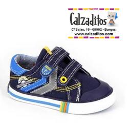 Zapatillas de lona azul marino para niño con dos velcros, de Pablosky
