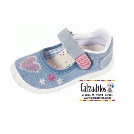 Merceditas de lona en tejano lavado con corazón de lentejuelas, de Lonettes Zapy for girls