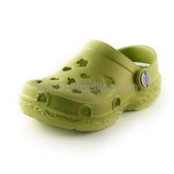 Zuecos de goma verdes, de Gioseppo Kids