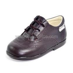 Zapatos de piel marrón chocolate para niño o niña tipo Inglesito, de Angelitos