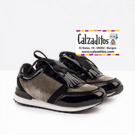 Zapatillas de niña/chica en color negro con solapa, de Conguitos