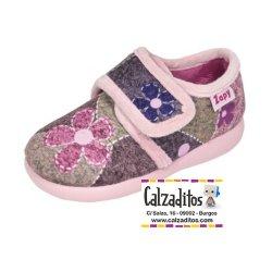 Zapatillas de estar en casa rosas para niña, de Zapy