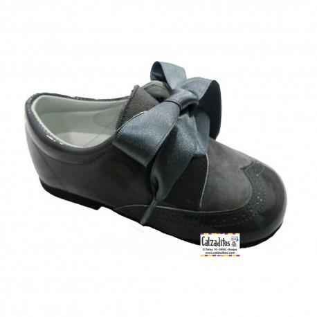 Zapatos tipo blucher para niña de Andanines en charol y ante gris