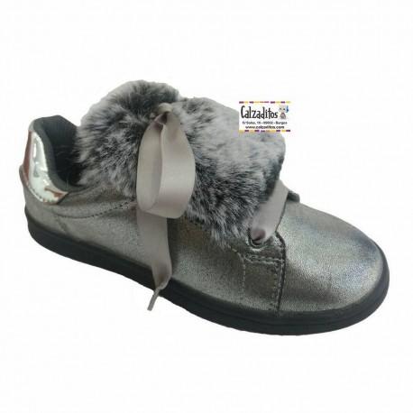 Zapatillas de Conguitos en metalizado plomo con pelo y lazos de raso