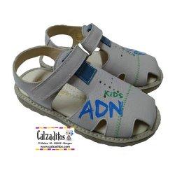 Sandalias de piel beige para niño de Andanines