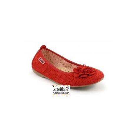 Bailarinas en serraje picado de color rojo con rosetón, de Zapy Girls