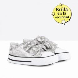 Lonetas para niña tipo converse con estrellitas de Osito by Conguitos