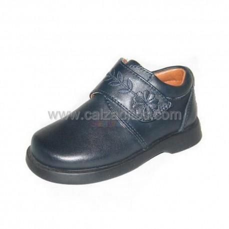 Zapatos colegiales para niña en azul marino, de D'bebé