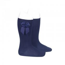 Calcetines altos lisos de color azul marino con lazo lateral, de Cóndor