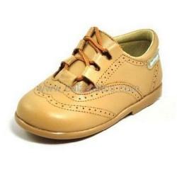 Zapatos de piel camel para niño o niña tipo Inglesito, de Angelitos