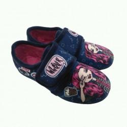 Zapatillas para estar en casa de niña con pelo rosa con velcro, de Zapy