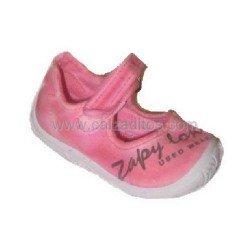 Merceditas de lona efecto desgastado de color rosa, de Zapy