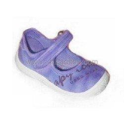 Merceditas de lona efecto desgastado de color lila, de Zapy