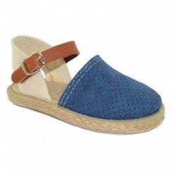 Sandalias cerradas de serraje azul y esparto para niña, de Conguitos