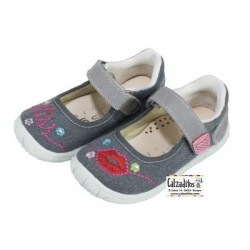 Merceditas de loneta gris modelo Kiss con velcro, de Lonettes Zapy for girls