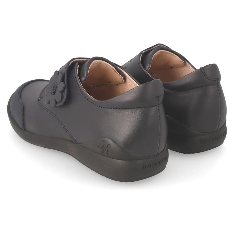 d405fb3777d ... Zapatos colegiales Biomecanics cerrados con velcro para niña ...