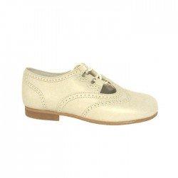 Zapatos inglesitos sin lengüeta en piel de color tangón (beige), de D'bebé Alta Colección