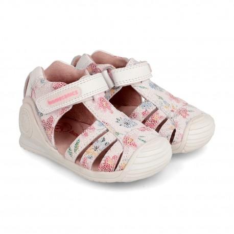 Sandalias para niña en piel blanca con efecto mosaico de Biomecanics