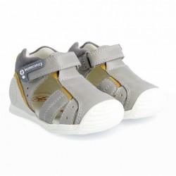 Sandalias para niño en piel con velcro de Biomecanics