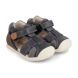 Sandalias para niño en piel con velcros de Biomecanics