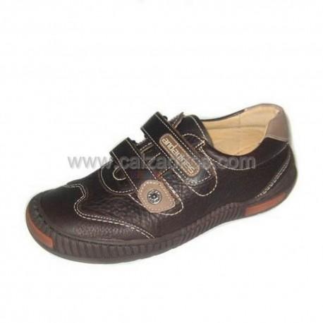 Zapatos de niño en piel marrón chocolate, de Andanines