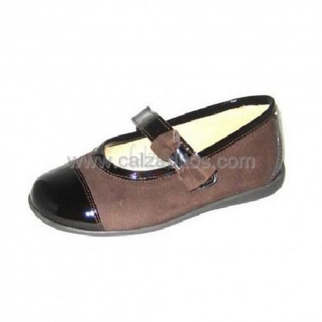 Zapatos marrones de ante con charol, de Andanines