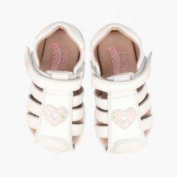 Sandalias para niña con talonera y dedos cubiertos de Garvalín