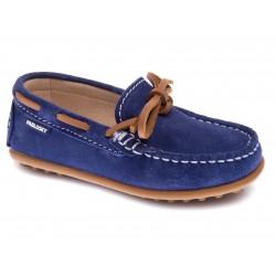 Zapatos mocasín de piel serraje de color azul, de Pablosky