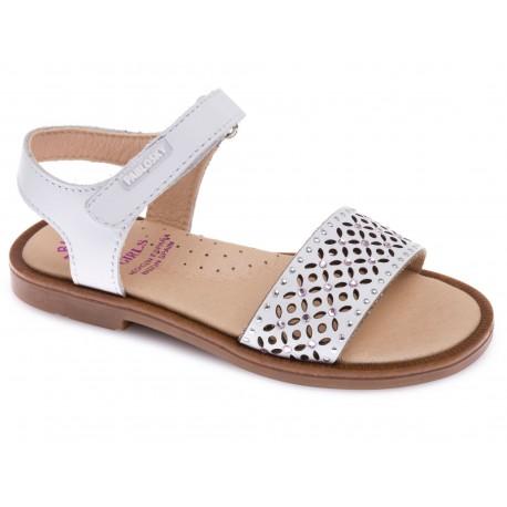 Sandalias para niña con velcros de Pablosky