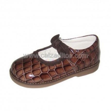 Zapatos de charol coco marrón oscuro, de Andanines