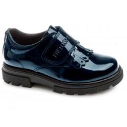 Zapatos cerrados de charol con velcro de Pablosky