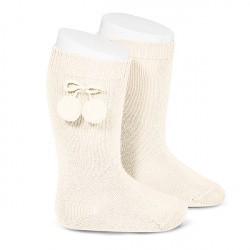 Calcetines altos LISOS de algodón camel cálido con borlas, de Cóndor