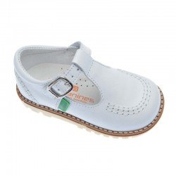 Zapatos de niño blancos de piel, de Andanines (pepitos)