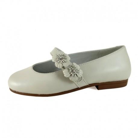 Zapatos de Comunión para niña en piel de color porcelana (beige), de D?Bebé Alta Colección