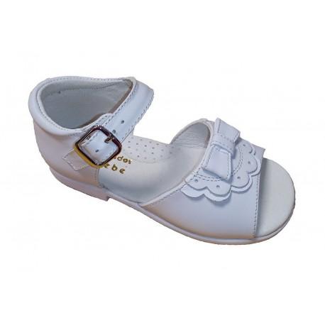 Sandalias para niña con talonera y hebilla, de D'Bebé