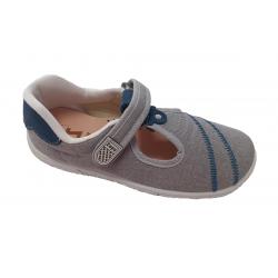 Sandalias cerradas tipo pepitos para niño de Zapy