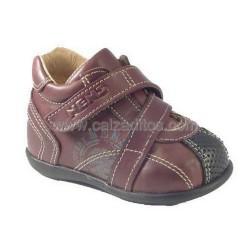 Zapatos de piel abotinados para niño, de Nens