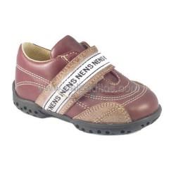 Zapatos para niño de piel marrones con velcro, de Nens