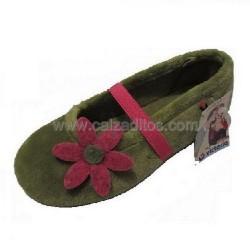 Zapatillas de estar en casa en verde para niña de Victoria