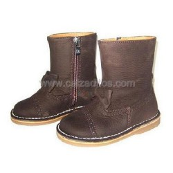 Botas de piel marrón con lazo para niña, de Eli