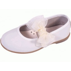 Merceditas de piel beige lavable con velcro, de Zapy Girls