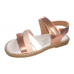Sandalias para niña en piel metalizada bronce de Andanines