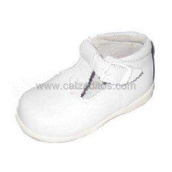 Zapatos-pepitos altos de piel blancas, de Chachelines